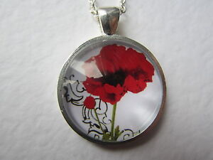 Red-Poppy-Design-Silver-Pendant-Glass-Domed-Necklace-New-in-Gift-Bag