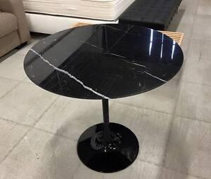 Tavolo Tondo Nero.Dettagli Su Tavolo Tulip Tondo 107 Cm Marmo Nero Marquinia Saarinen Table Made In Italy