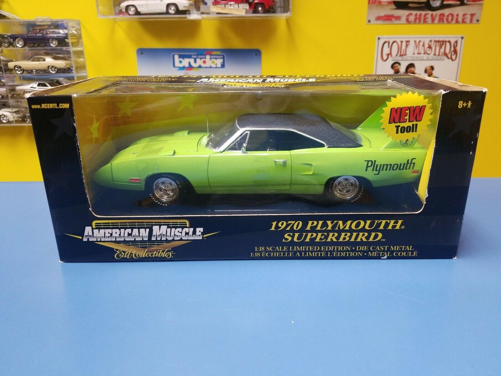 American Muscle 1970 Plymouth Superbird verde con nero Interior