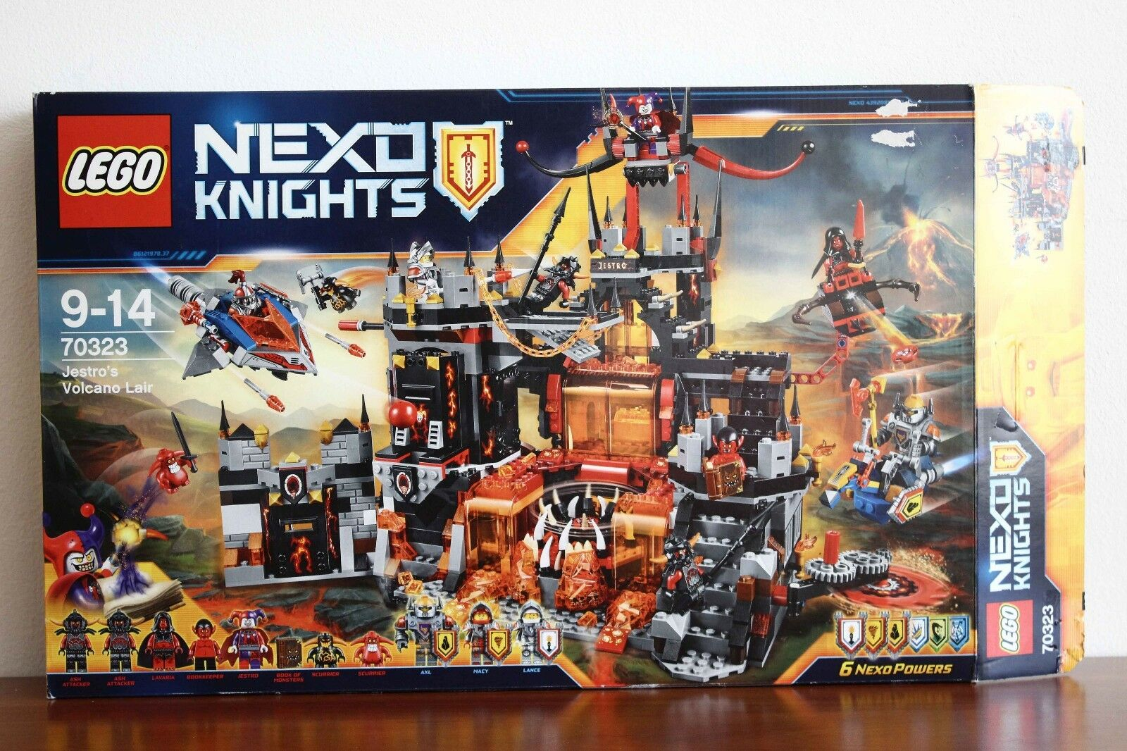Lego Nexo Knights Set 70323-1 Jestro's Volcano Lair 100% cmpl + instr. and box