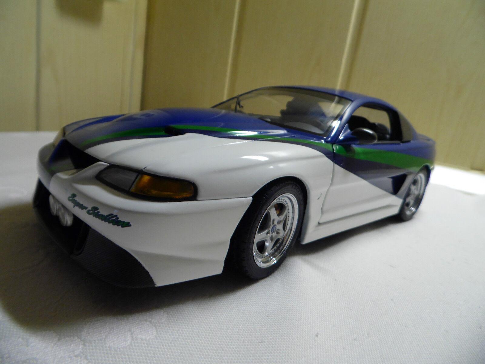 Ford Mustang Super Stallion Auto Art Maßstab 1 18
