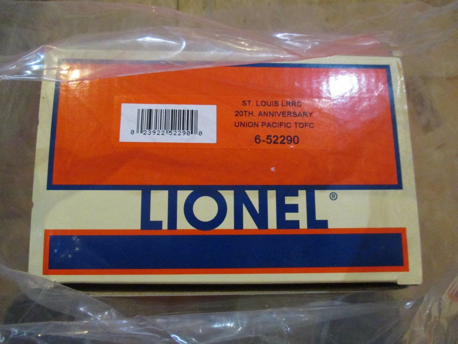 LIONEL  52290 ST. LOUIS LRRC F/C WITH TANKER TRAILER w Free ship