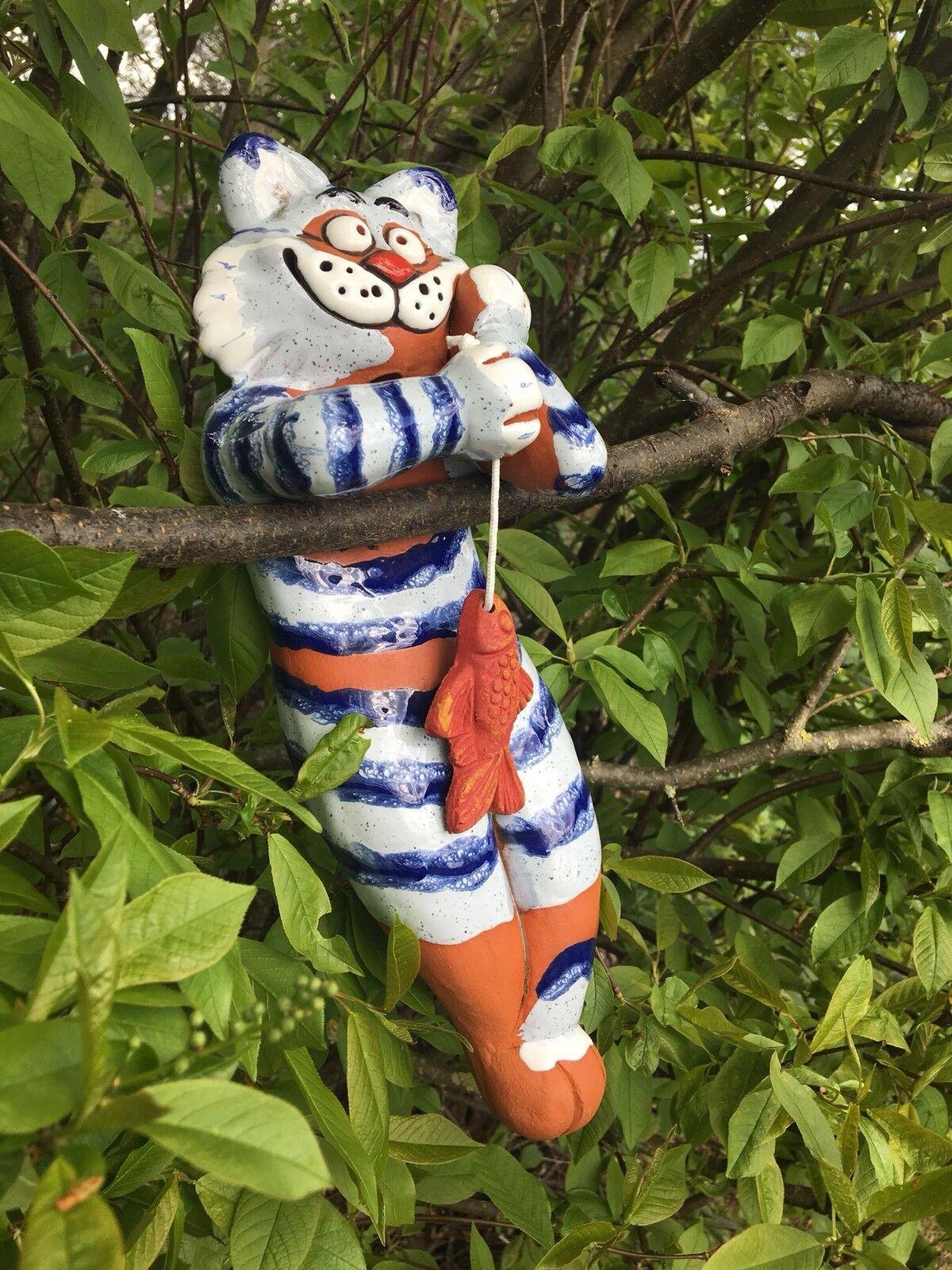 Katze mit Fisch Fisch Fisch  Gartenstecker Keramik Handarbeit frostfest Figur Beetstecker 4013a5