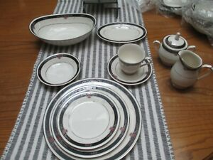 Noritake-Etienne-china-service-for-4