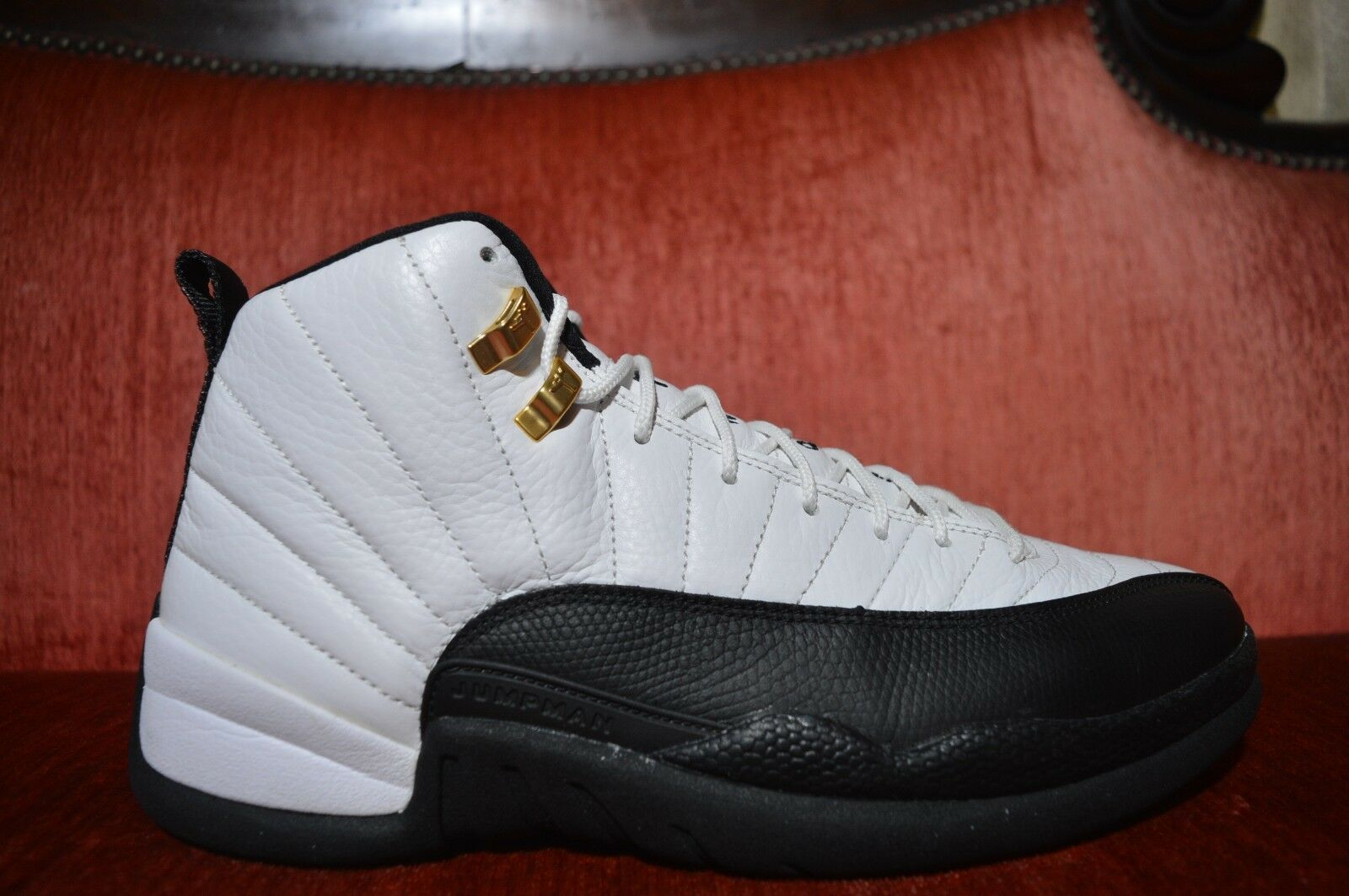 WORN ONCE Nike Air Jordan 12 Countdown Pack Taxi Size 10.5 Style 130690 109 125