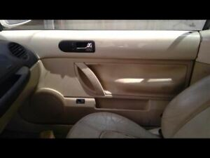 03-06-VW-BEETLE-CONV-RIGHT-PASSENGER-SIDE-TAN-DOOR-PANEL