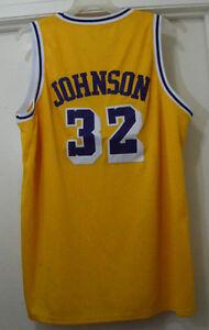 2ca770a77f8 Vintage Mitchell   Ness NBA Los Angeles Lakers Magic Johnson  32 ...