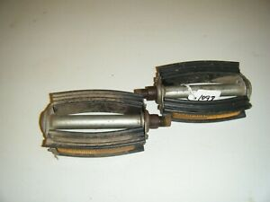 VINTAGE COLUMBIA BICYCLE PEDALS # 1098