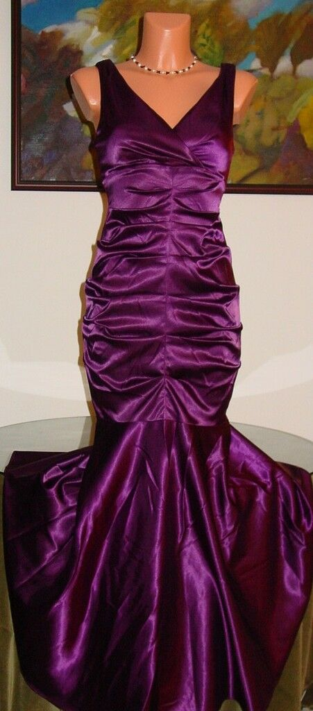NWT XSCAPE Formal Gown Dress, sz 6 PLUM
