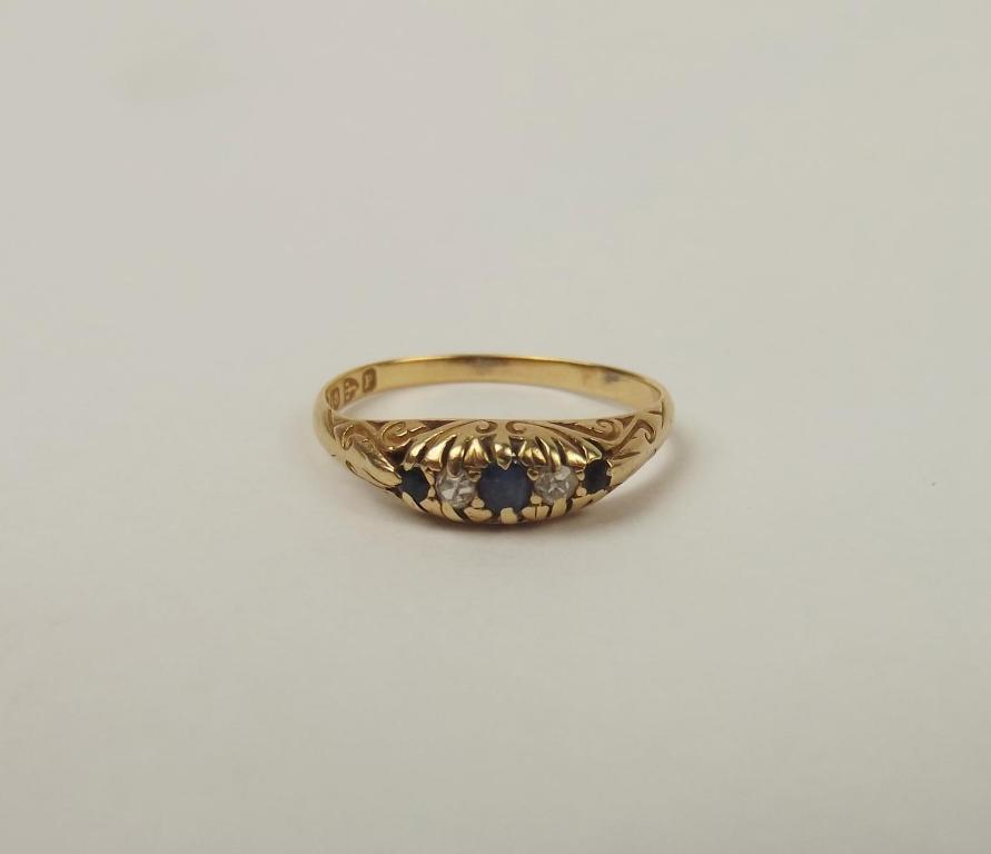 Late Victorian 18ct Yellow gold Sapphire & Diamond Ring UK Size O+ US 7 ¼