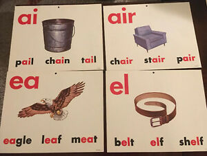 Vintage-Lot-Of-24-Milton-Bradley-Classroom-VOWEL-POSTER-BOARDS-11-25-X-13-5