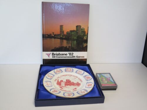 1982 XII COMMONWEALTH GAMES SOUVENIR BOOK, PLATE & PLAYING CARDS