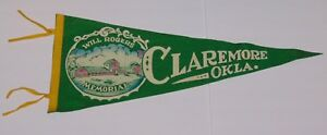 LARGE-29-034-Old-Vintage-1950s-CLAREMORE-OKLAHOMA-WILL-ROGERS-GRAPHIC-FELT-PENNANT