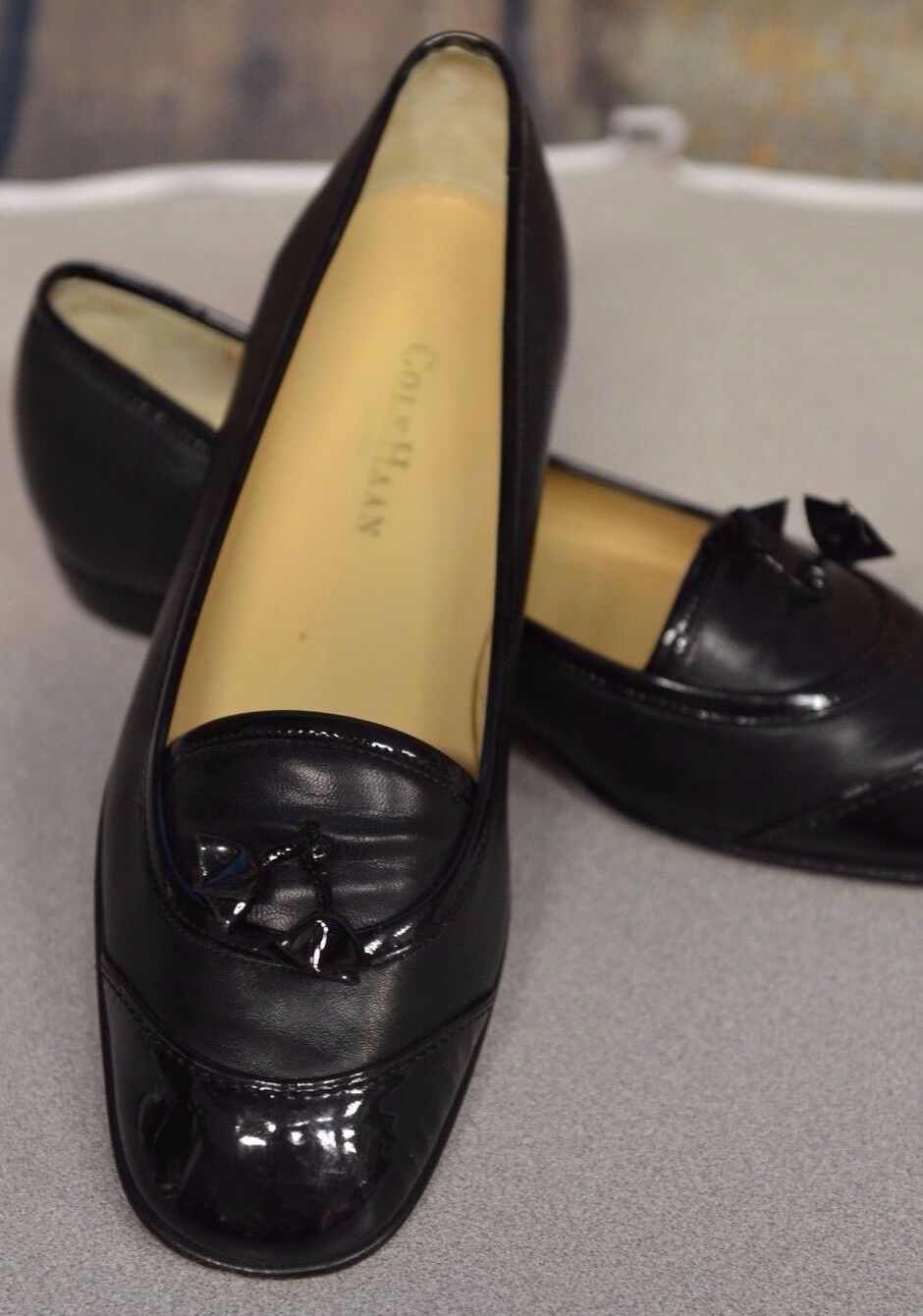 Cole Haan City Sz 7B Women's Black Solid & Patent Leather Tassels Italy