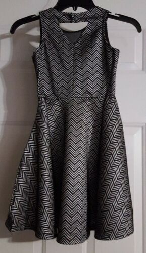 New Girl/'s Franki /& Jack Black /& Silver Sleeveless Flare Dress Size Small 6//6X