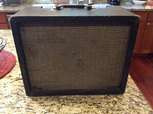 Vintage-decca-Guitar-Amplifier-DMI-60