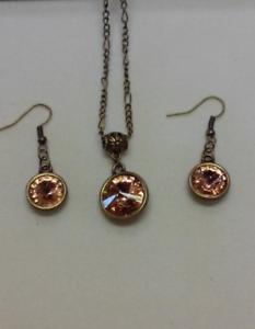 light-peach-swarovski-necklace