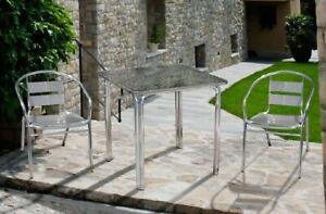 Set-Esterno-Alluminio-2-Sedie-Con-Braccioli-Con-tavolo-Quadrato-Impilabile