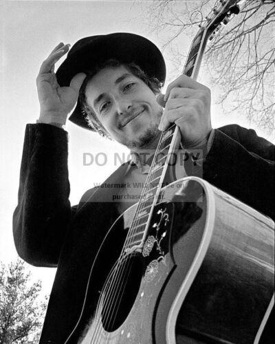 DA-233 8X10 EARLY PUBLICITY PHOTO BOB DYLAN LEGENDARY SINGER SONGWRITER