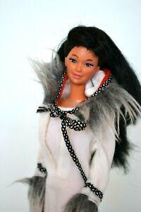 Barbie-Eskimo-Kira-Poupee-Vintage-Parfait-et-Cadeau-Enveloppe