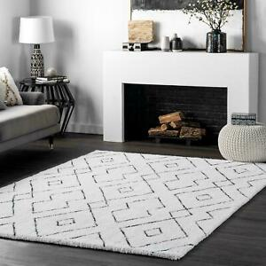 nuLOOM-Hand-Tufted-Beaulah-Shaggy-Area-Rug-in-White