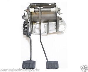 NEW OEM 1992-1997 Ford F-250, F-350 Brake + Clutch Pedal ...