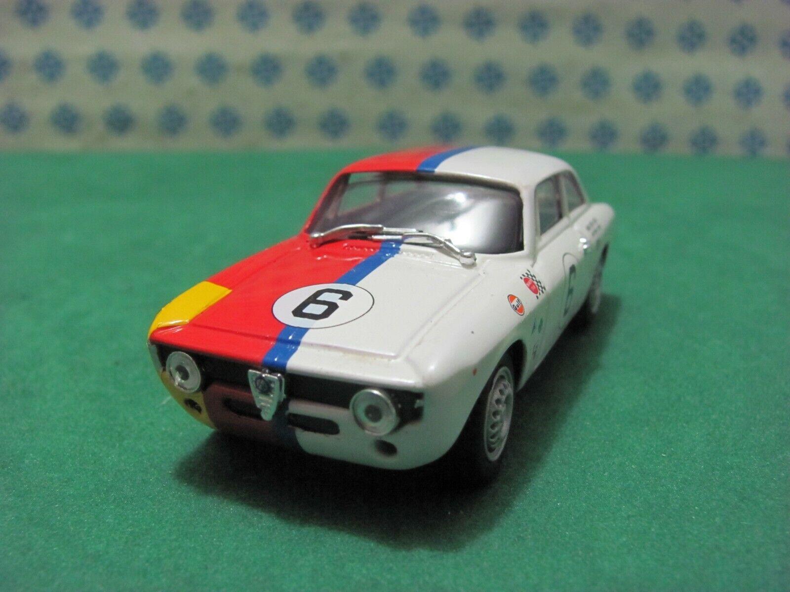 Alpha Romeo Giulia GTA 1600 palanquín cruzando am 1967 - 1   43 progetto K 2061a