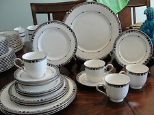 LENOX KARA  4 - 5 PIECES SETTING 20 PIECES