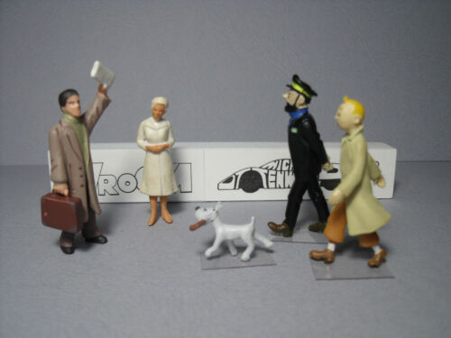 5  FIGURINES  1//43  SET 451  VROOM  NON  PEINT  FOR  NOREV   DINKY TOYS  FRANCE