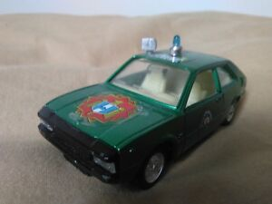 Antigua-miniatura-1-43-Mira-4008-Seat-1200-Policia-Made-in-Spain