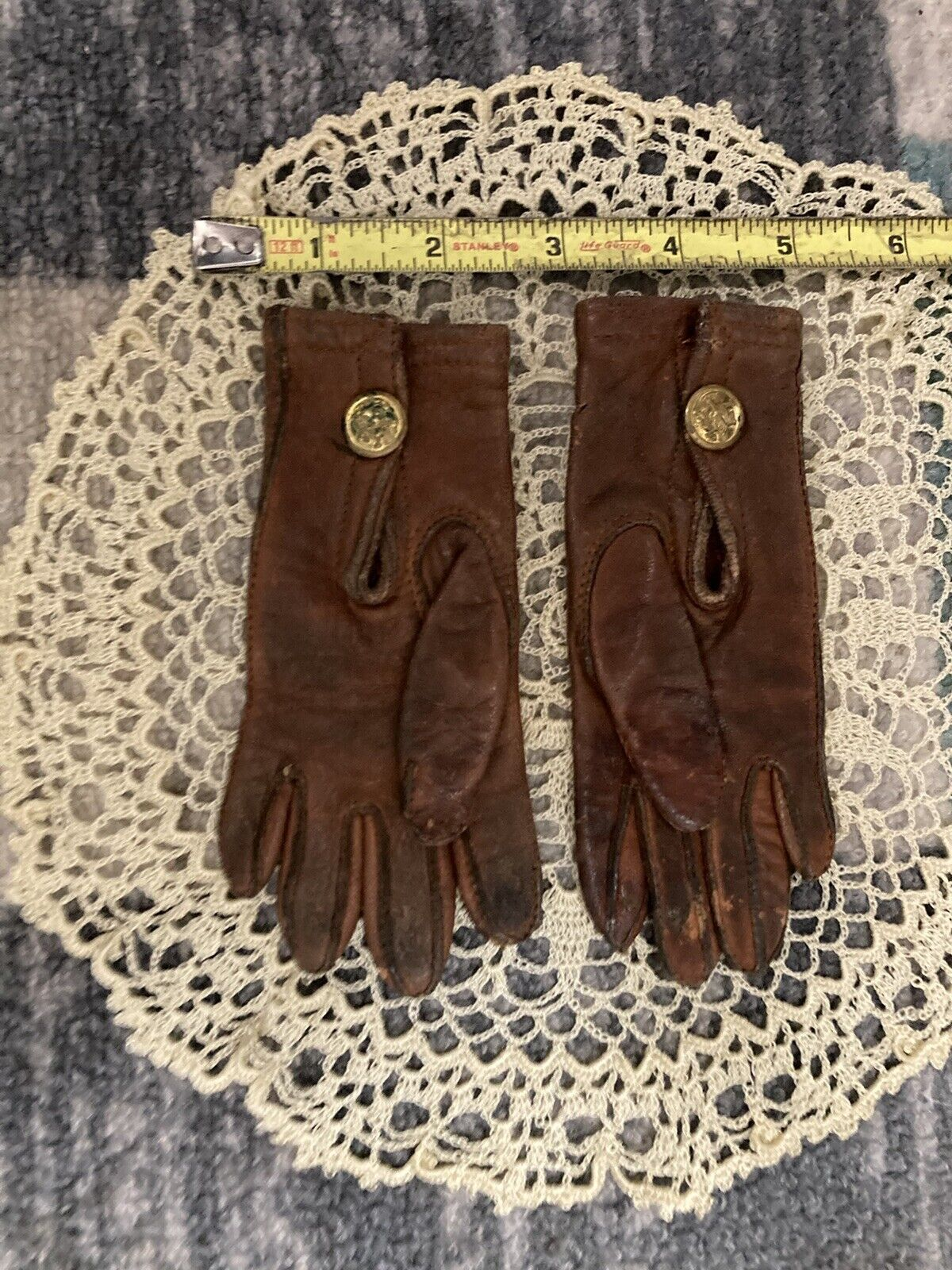 **Antique Tiny Child Late 1800 To Early 1900 - Brown Leather Gloves. Preowned