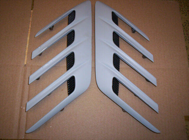 72 74 Dodge Challenger Rallye Front Fender Scoops Louvers R / L