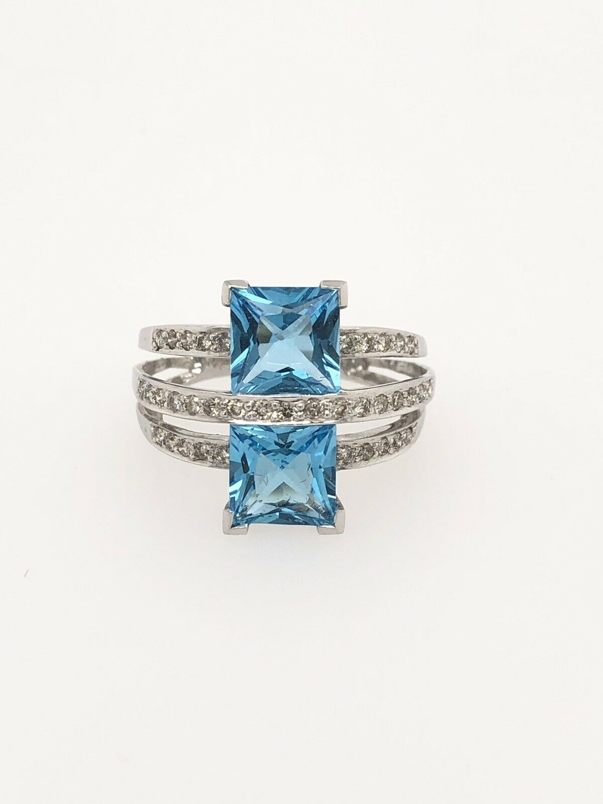 bluee Topaz And Diamond 14k White gold 3 Layer Ring - Item RM0