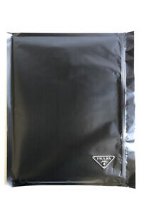 Prada Nylon Noir.   Photographié par Willy Vanderperre.   Haute Couture, Scellé
