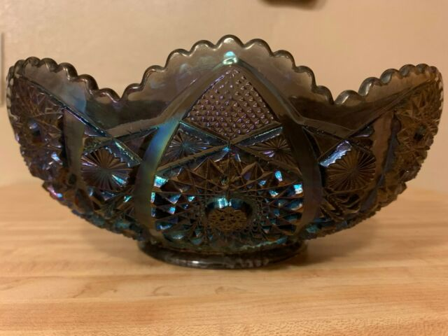 Vintage Imperial Mark Amethyst Carnival Glass Daisy Button Bowl