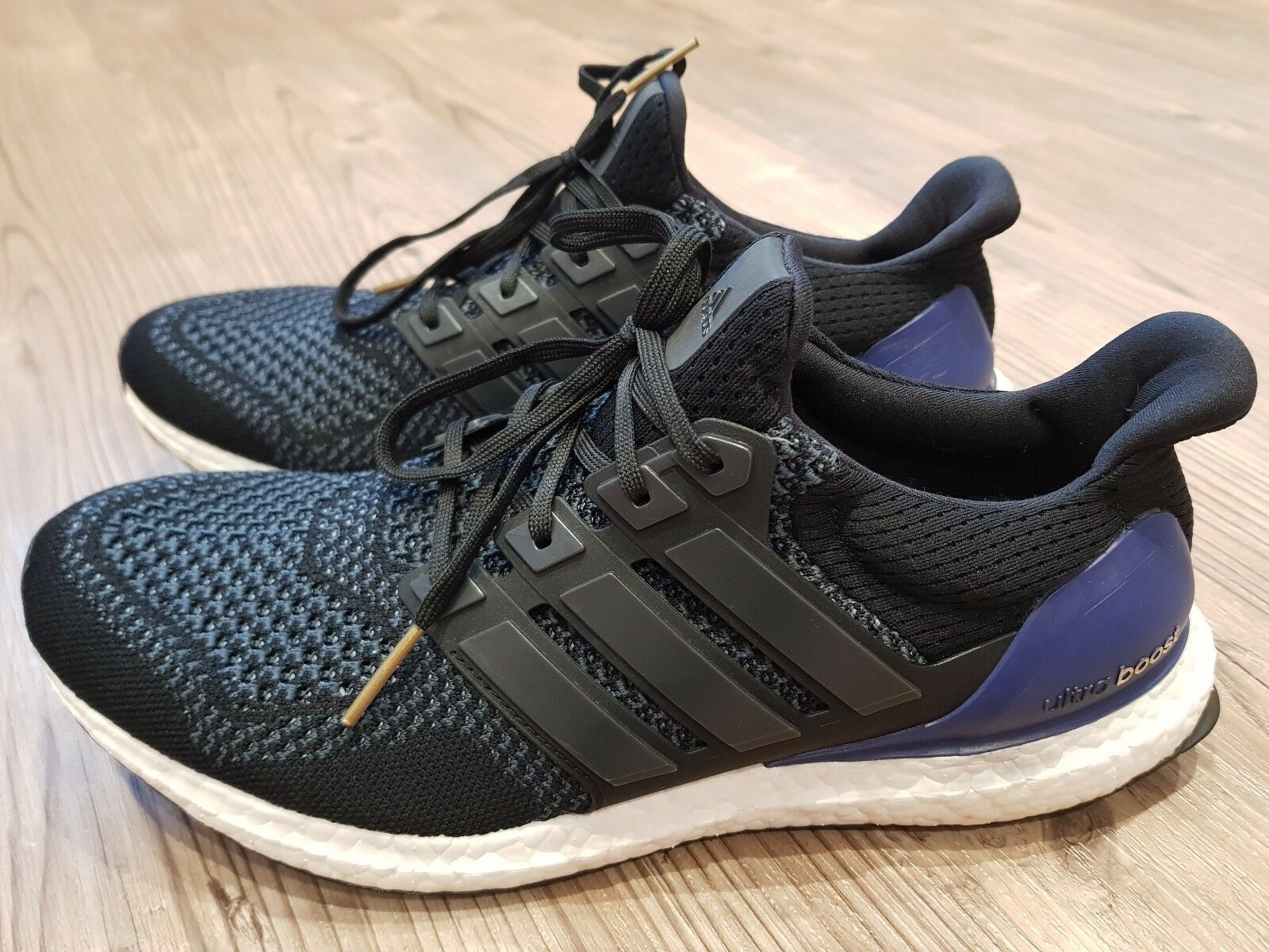Adidas Ultra Boost Trainers in a UK size 9.5 used no box purple 1.0 og original