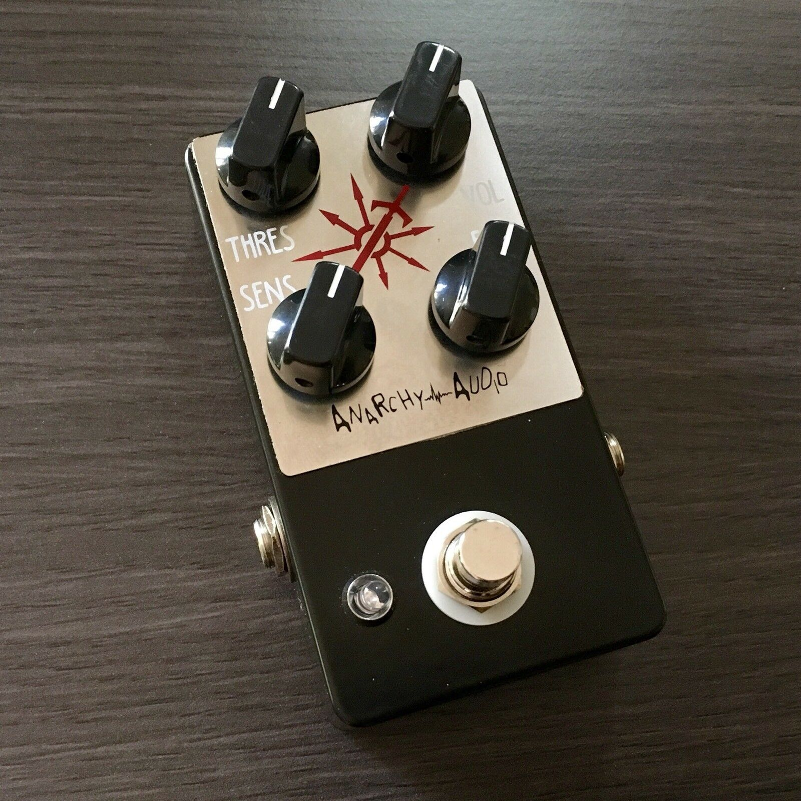 ANARCHY AUDIO CHAOS STAR DISTORTION   FILTER   NOISE GUITAR PEDAL