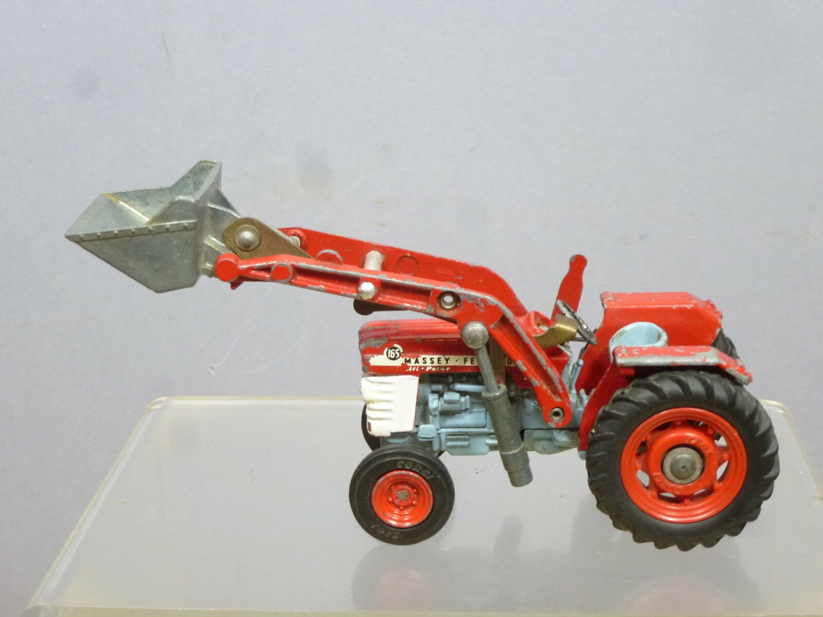 CORGI TOYS MODEL No.69    MASSEY-FERGUSON 165 TRACTOR  & SHOVEL