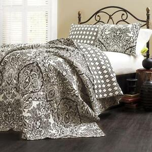 3 Piece Quilt Set Damask Paisley Pattern Black And White