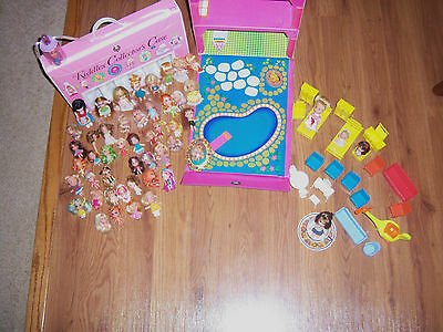 NICE ESTATE VTG  LOT FEW  KIDDLES DOLLS CLONES MISC  DOLLS HOME CASE ACCESSORIES