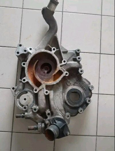 Jeep Cherokee 3.7 V6 timing cover
