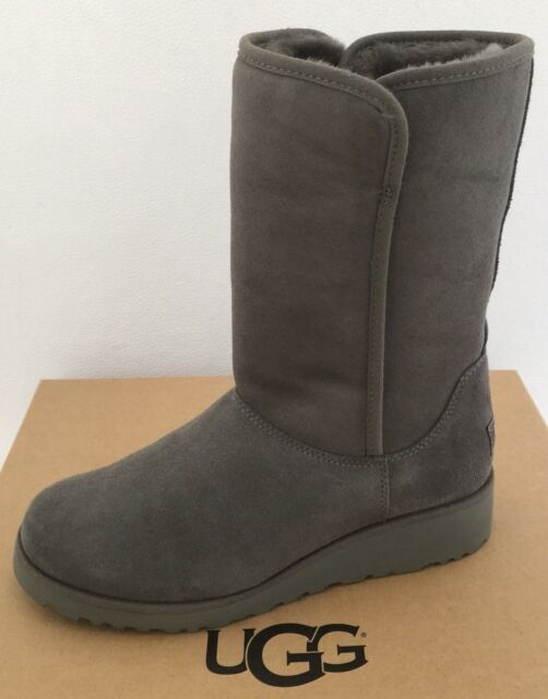 4c7d27bc237 Mew Women's Shoes UGG Classic Slim Amie Short BOOTS 1013428 Grey Size 9