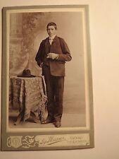 Tachau u. Tirschenreuth - 1903 - stehender junger Mann - Hut - Kulisse / CDV