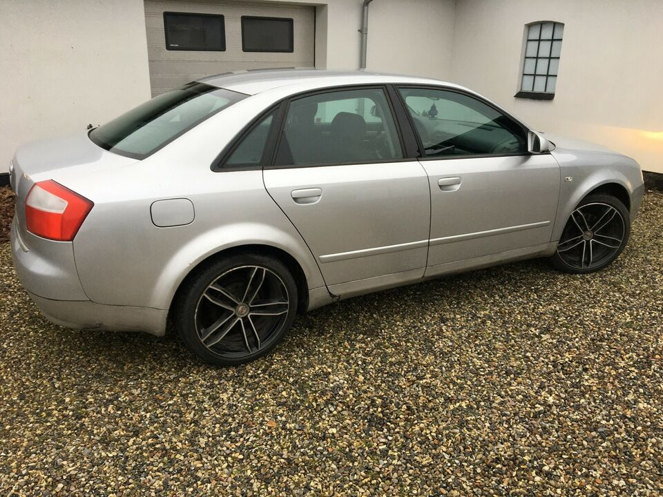 Audi A4, 1,6 102, Benzin