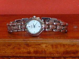 Pre-Owned-Women-s-Citizen-Silver-Tone-Analog-Dress-Watch