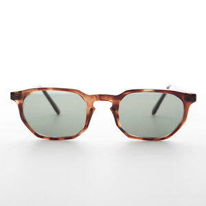 6a3d8613474f1 Image is loading Polygon-Vintage-Sunglass-Smal-Tortoise-Frame-with-Keyhole-