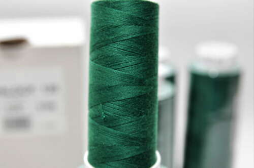 km Trojalock Amann Garn Overlockgarn Farbe 247 grün 4 x 2500 Meter 1,60 €