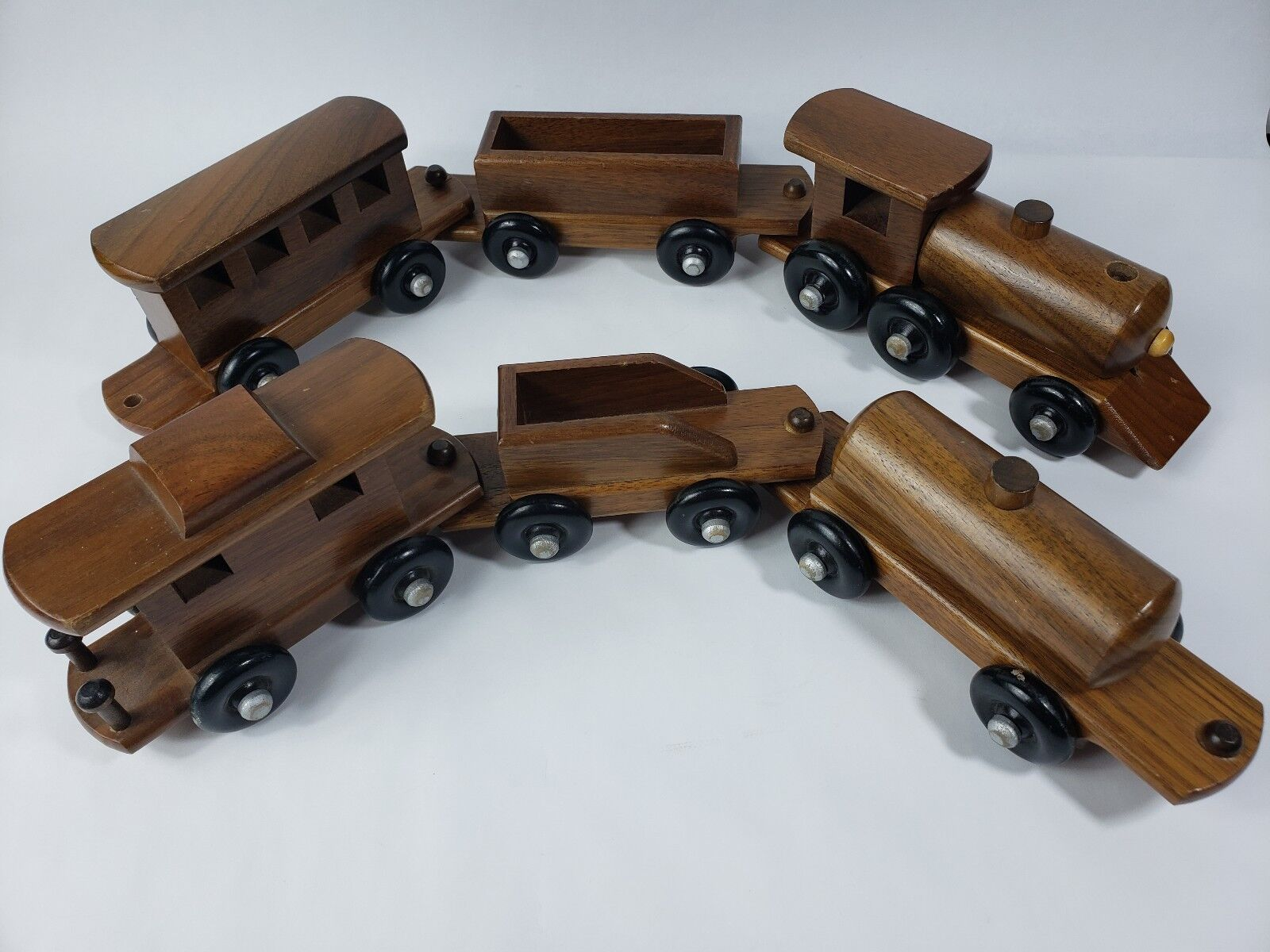 Unbranded Wooden 6 Car Peg In Hole Attachment Train (809)
