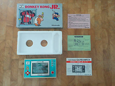NINTENDO 1982 GAME AND WATCH**DONKRY KONG JR!! DJ-101 **with papers**