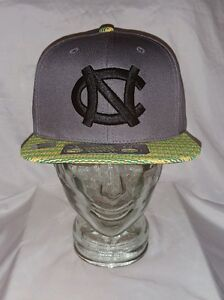 separation shoes 7908e bbe6a Image is loading NCAA-North-Carolina-Tar-Heels-Top-of-the-